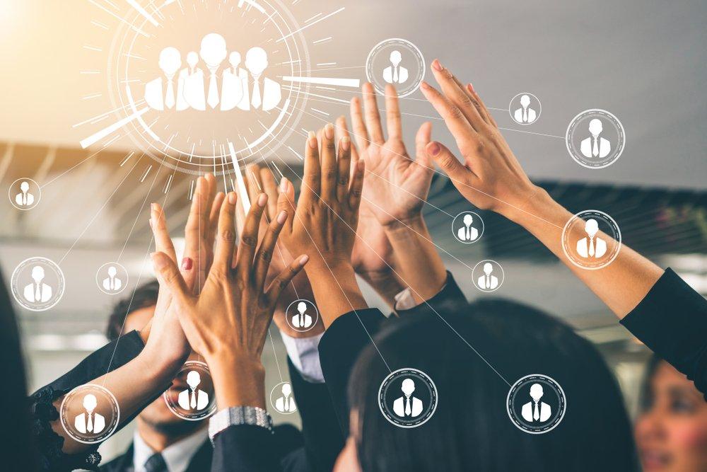 Cross-Company-Communication | Growth Molecules